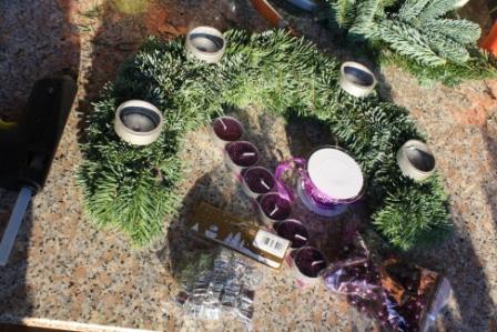 gebastelt adventskranz 2011 ephelides blog. Black Bedroom Furniture Sets. Home Design Ideas